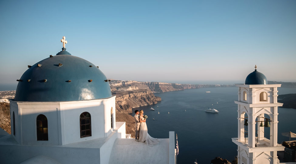 how-to-understand-if-a-wedding-on-santorini-will-be-okay-for-you